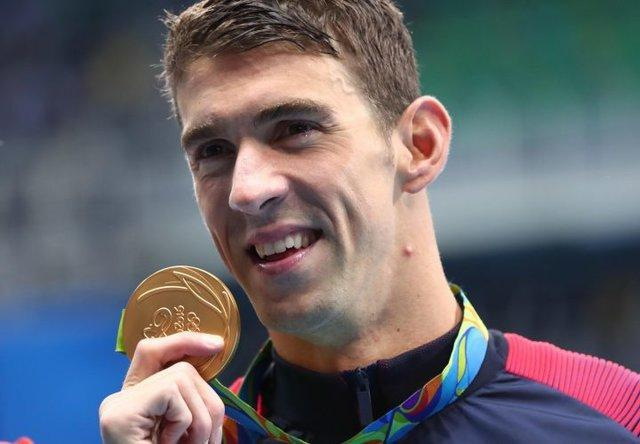 روز چهارم المپیک، تاریخ سازی فلپس، ناکامی اسپانیا
